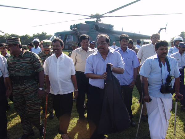 Anton Balasingham arrives in Kilinochchi