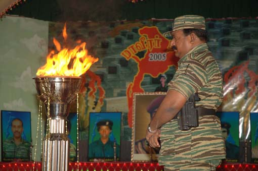 Leader-V-Prabakarans-Heros-day-2005