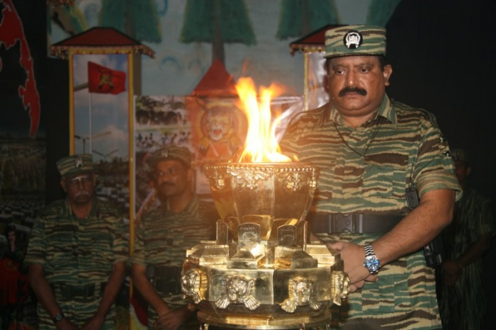Leader-V-Prabakarans-Heros-day-2006-3