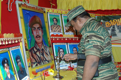 Leader-V-Prabakarans-Heros-day-2006-4