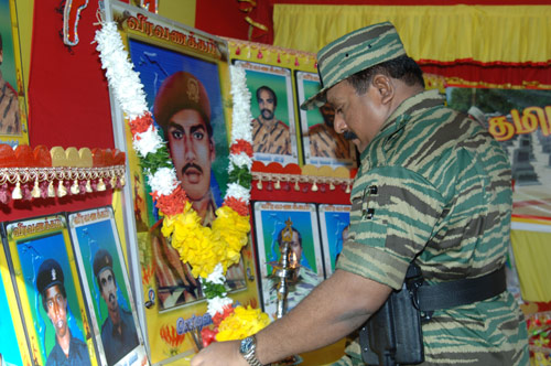 Leader-V-Prabakarans-Heros-day-2006-5