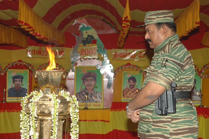 Leader-V-Prabakarans-Heros-day-2007-2